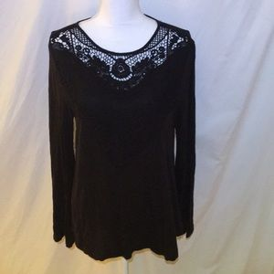 IN GREAT CONDITION BLACK BOHEMIAN FLOWY TOP